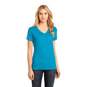 District� Women's Perfect Weight� V-Neck Tee